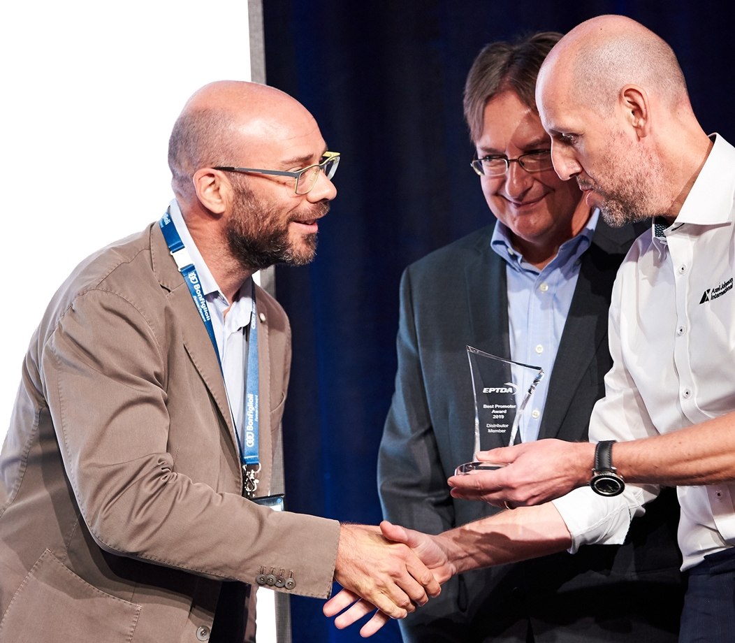 Stefano Bandelli receiving the Best Ambassador Award, Tenerife 2019